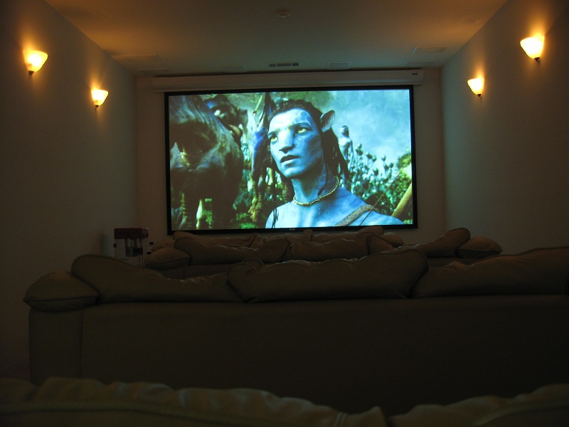Blu-Ray sample on a 133 inch screen